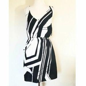 3/$25 Black & White sleeveless Dress